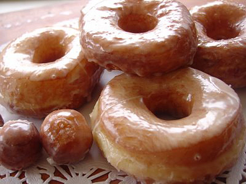 glazed doughnuts - The worst foods to eat while playing video games