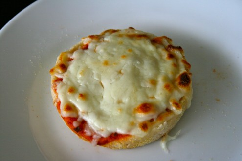 English Muffin cheeze pizza